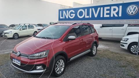 Volkswagen Suran Cross 1.6 Highline usado (2016) color Rojo precio $1.780.000