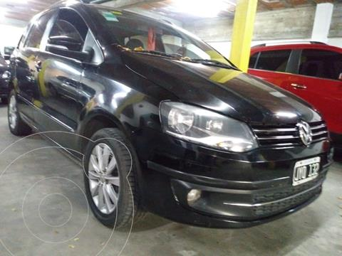 Volkswagen Suran 1.6 Trendline usado (2011) color Negro financiado en cuotas(anticipo $474.000)