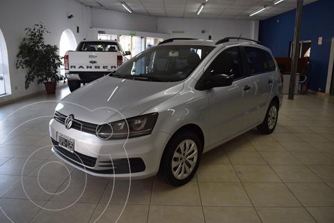 Volkswagen Suran 1.6 Comfortline usado (2015) color Plata financiado en cuotas(anticipo $688.000 cuotas desde $13.000)