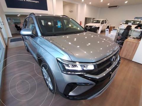 Volkswagen Taos Comfortline Aut nuevo color Gris Oscuro precio $4.113.200