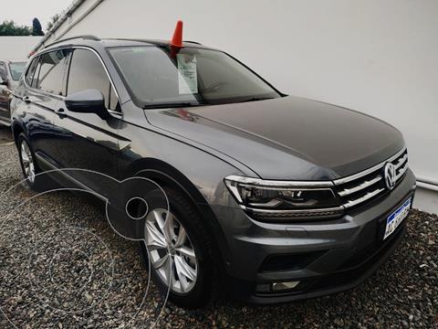 Volkswagen Tiguan Allspace 2.0 Comfortline Aut usado (2018) color Gris Platino precio $4.940.000