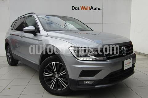 Volkswagen Tiguan Comfortline 5 Asientos Piel usado (2019) color Plata precio $409,000