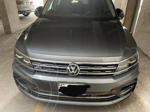 Volkswagen Tiguan R-Line usado (2019) color Gris Platino precio $450,000