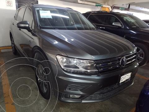 Volkswagen Tiguan Trendline Plus usado (2018) color Plata financiado en mensualidades(enganche $77,000 mensualidades desde $7,713)