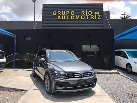Volkswagen Tiguan R-Line usado (2021) color Gris precio $609,000