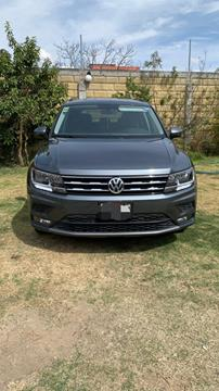 Volkswagen Tiguan Comfortline 7 Asientos Tela usado (2018) color Gris precio $350,000