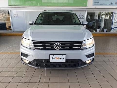Volkswagen Tiguan Comfortline 5 Asientos Piel usado (2018) color Blanco precio $359,900