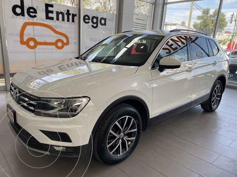 Volkswagen Tiguan Comfortline 5 Asientos Piel usado (2018) color Blanco precio $380,000