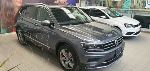 Volkswagen Tiguan Highline usado (2021) color Gris Platino precio $1,350,000
