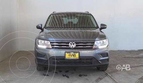 Volkswagen Tiguan Trendline Plus usado (2018) color Gris Oscuro precio $300,000