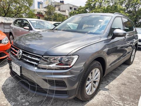 Volkswagen Tiguan TRENDLINE  PLUS TSI 1.4L DSG L4  150 HP usado (2018) color Gris Platino precio $389,500