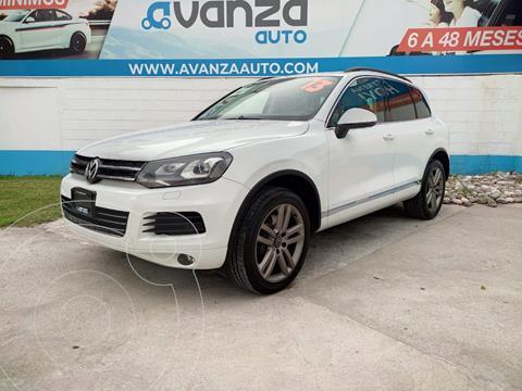 Volkswagen Touareg 4.2L V8 Executive usado (2013) color Blanco precio $340,000