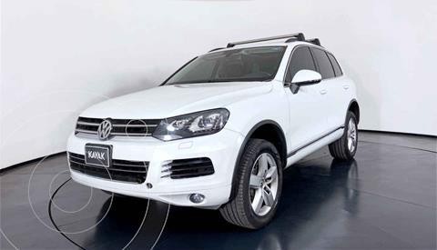 Volkswagen Touareg 4.2L V8 usado (2014) color Blanco precio $382,999