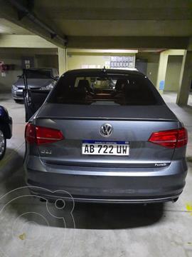 Volkswagen Vento GLI GLi 2.0 TSI DSG Nav usado (2017) color Gris precio $3.650.000