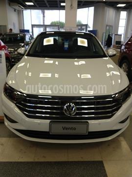 Volkswagen Vento 1.4 TSI Highline Aut nuevo color Azul Seda precio $3.869.999