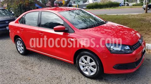Volkswagen Vento Highline Aut usado (2014) color Rojo precio $107,000