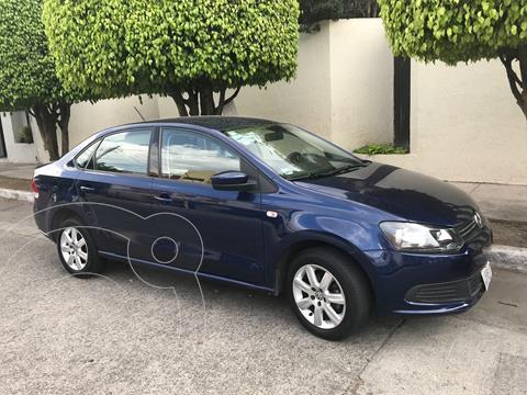Volkswagen Vento 1.6L usado (2014) color Azul Sombra precio $135,000