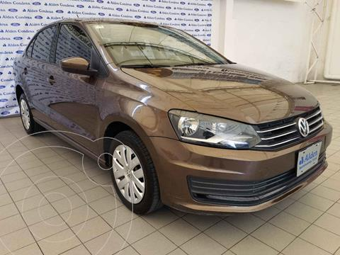 Volkswagen Vento Startline usado (2017) color Cafe precio $168,000