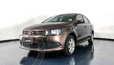 Volkswagen Vento Active Aut usado (2014) color Cafe precio $147,999