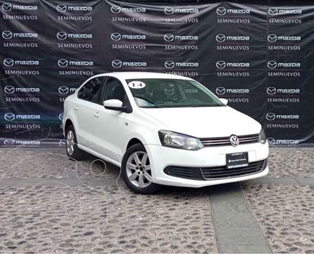 Volkswagen Vento Active Aut usado (2014) color Blanco precio $135,000