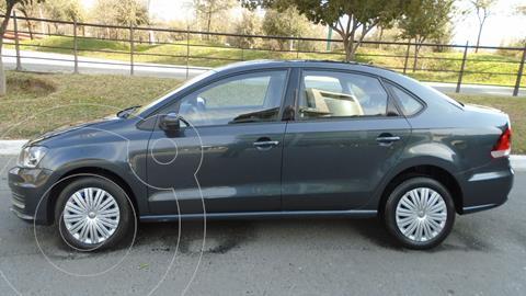 Volkswagen Vento Comfortline usado (2020) color Gris precio $204,900