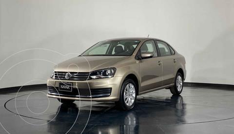 Volkswagen Vento Comfortline Aut usado (2019) color Dorado precio $246,999