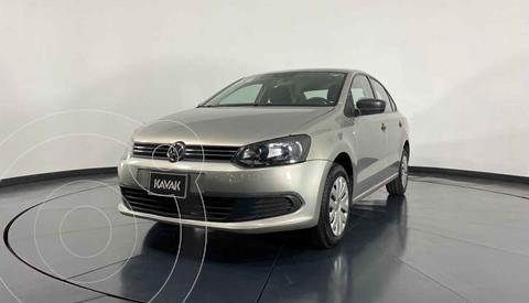 Volkswagen Vento Active Aut usado (2014) color Dorado precio $137,999