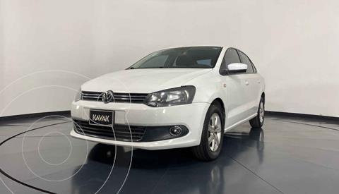 Volkswagen Vento Highline Aut usado (2014) color Blanco precio $139,999