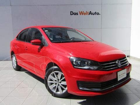 foto Volkswagen Vento Comfortline usado (2018) color Rojo Flash precio $185,000