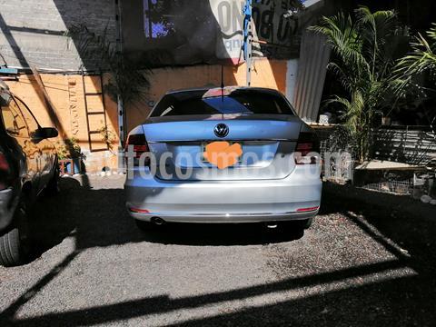 Volkswagen Vento Comfortline usado (2018) color Plata Reflex precio $175,000