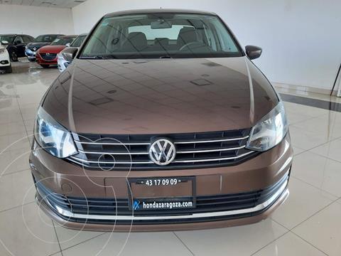Volkswagen Vento Comfortline usado (2018) color Cafe precio $179,833