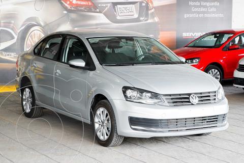 Volkswagen Vento Comfortline usado (2018) color Plata Dorado precio $184,000