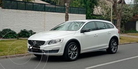 Volvo V60 2.0L R Polester  usado (2017) color Blanco precio $21.690.000