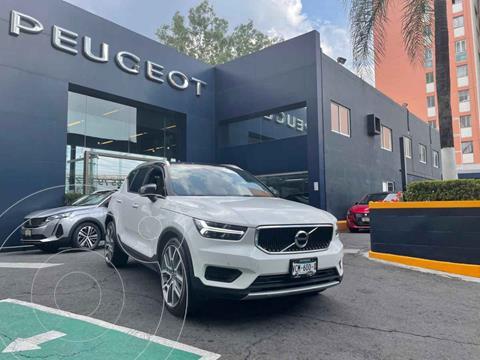 Volvo XC40 T5 Momentum usado (2020) color Blanco precio $654,900