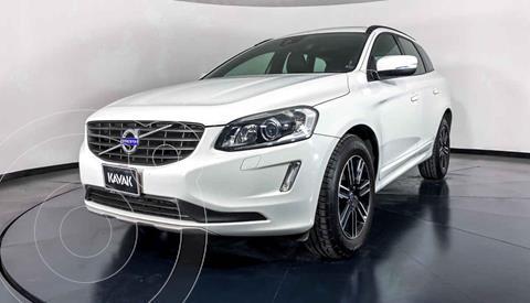 Volvo XC60 T5 Addition Plus usado (2017) color Blanco precio $372,999